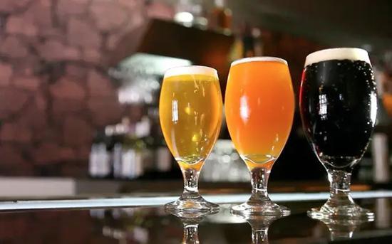 好的精酿啤酒太美,连不喝酒的人都忍不住多看两眼