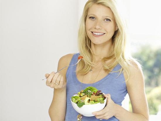 少吃米饭面食类,多吃蔬菜水果