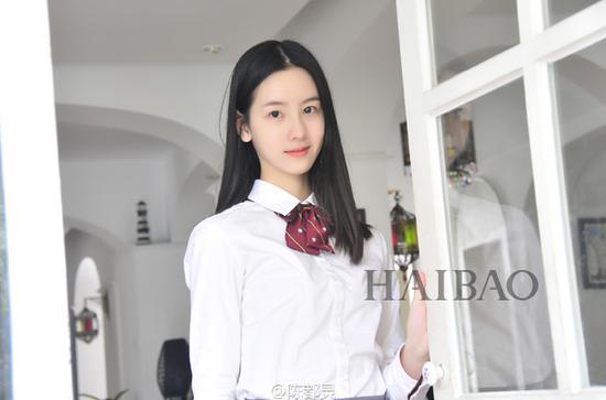 陈都灵拍摄杂志大片