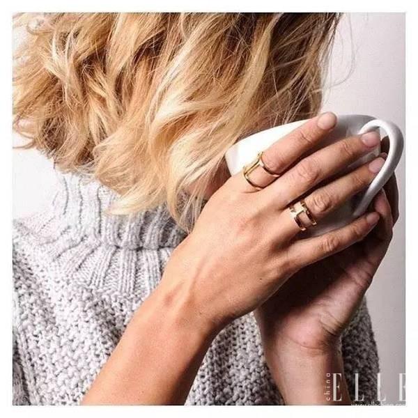 它家最火的要数双层系列,平行戒指、手环、交叉戒指等等