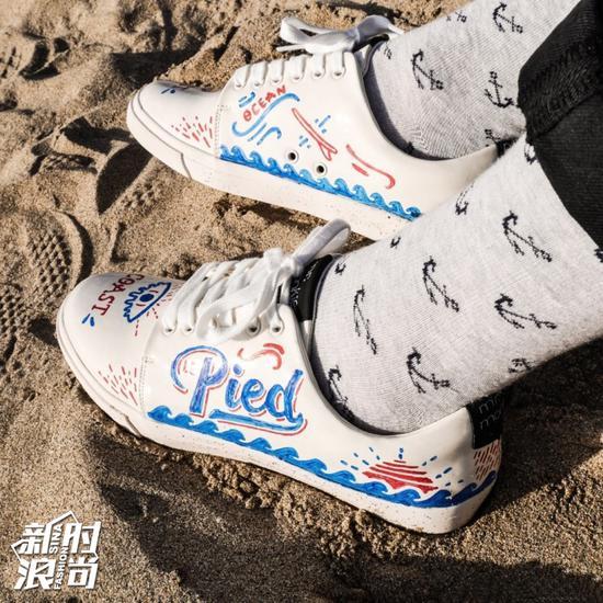 Mr。 Monkies小白鞋
