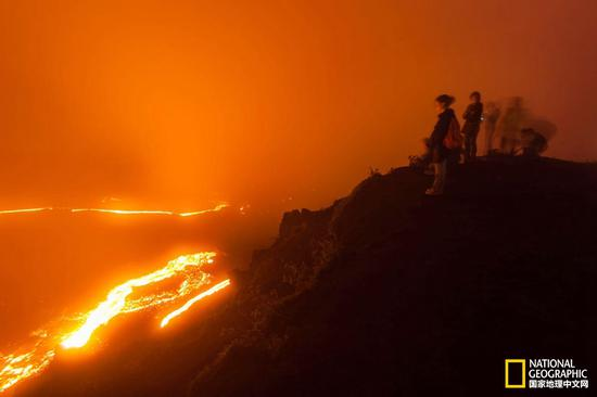从危地马拉城或安提瓜岛前往帕卡亚火山很容易