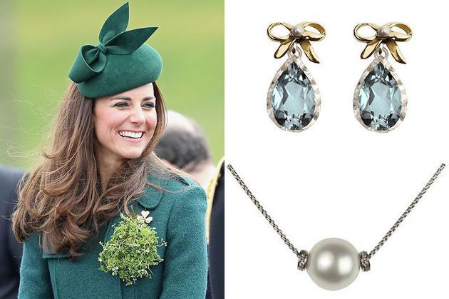 2014年出访新西兰时凯特佩戴了一条单颗珍珠的