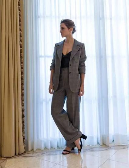 这些上班装你也有,为啥艾玛就能穿得这么美? 服饰潮流 图12