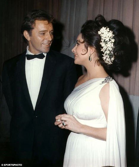 Elizabeth Taylor 与第5任丈夫Richard Burton