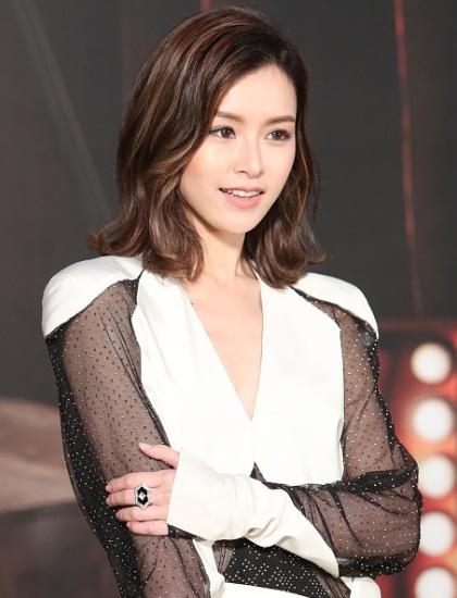 文咏珊(图片来源:香港金像奖HKFA 新浪微博)