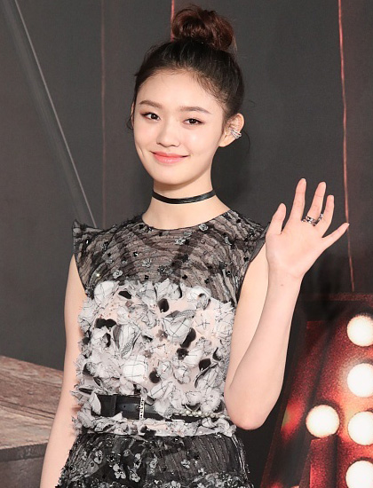 林允(图片来源:香港金像奖HKFA 新浪微博)
