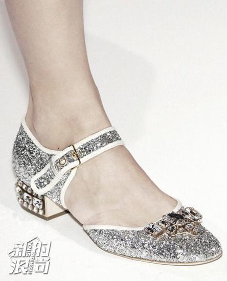 Miu Miu的粗跟鞋