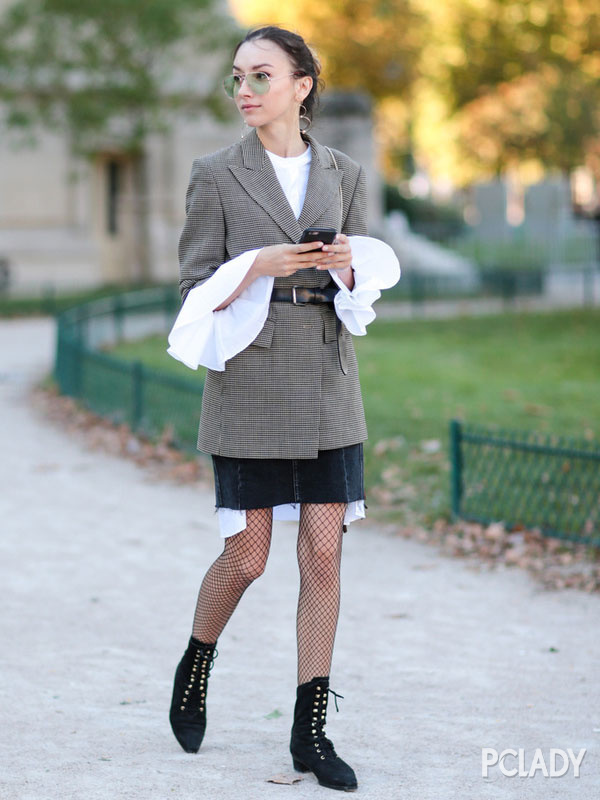 格纹西装+短裙