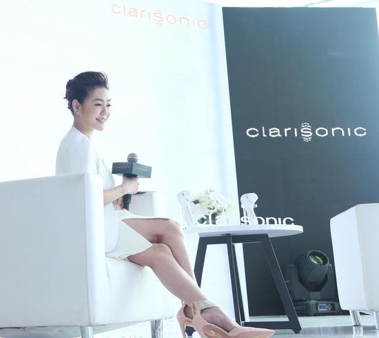 "Clarisonic 科莱丽全新""冻龄神器"" 代言人 小S"