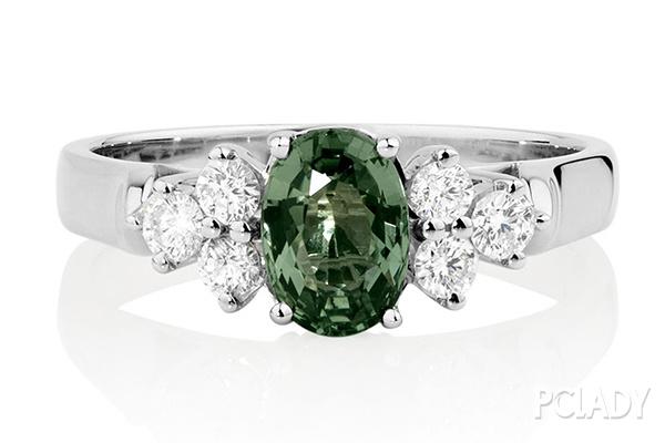 绿色蓝宝石
