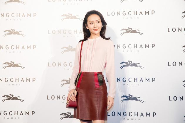 王鸥受邀出席Longchamp珑骧上海旗舰店开幕