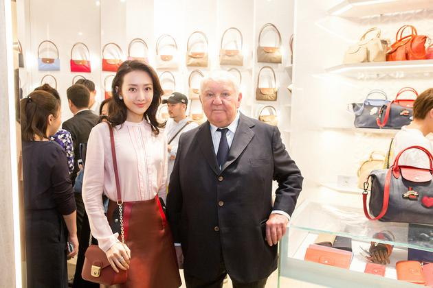 王鸥与Longchamp品牌总裁 菲利普·卡士格兰先生合影