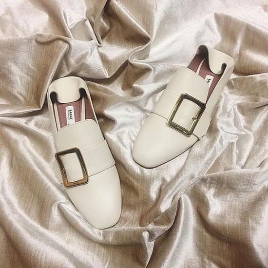 Bally的皮拖鞋