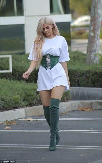 Kylie Jenner街拍