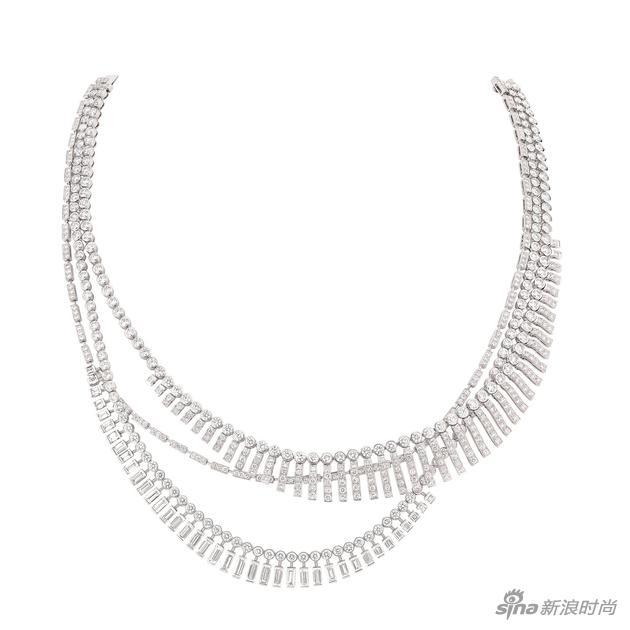 "CHANEL臻品珠宝""1932"" 系列""Franges Swing""项链,白18K金镶嵌钻石。"