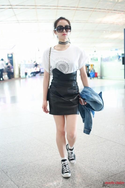 经典小黑皮裙百搭又时尚 宋茜马思纯都爱到疯狂