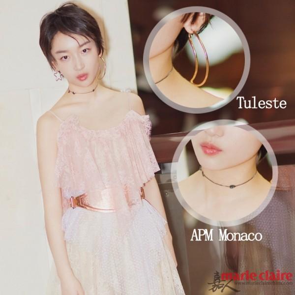 Tuleste的星月造型耳环配上APM Monaco的choker