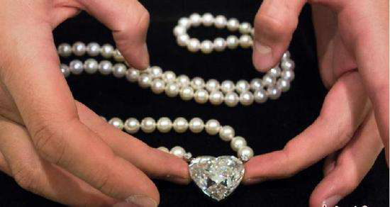 """名为""""传奇""""的心形钻石"""