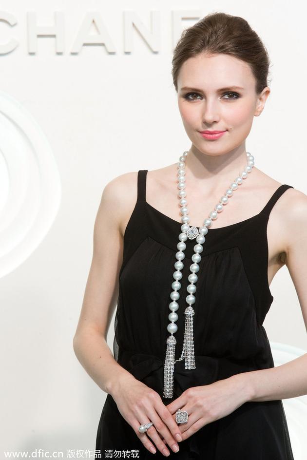 """Chanel """"Perles de Jour""""珍珠项链"""