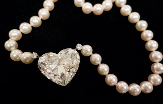 D色钻石,是钻石中的最高等级