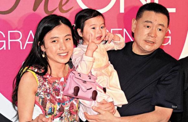 刘銮雄以1.8亿人民币买下并送给他和甘比的掌上明珠刘秀桦。