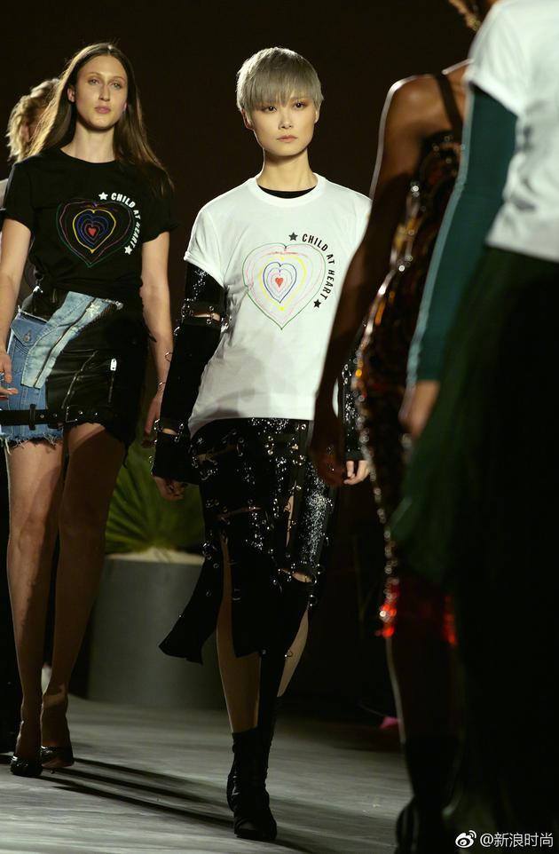 戛纳电影节的华人红毯系列 范爷11套造型收官春春贡献T台首秀 服饰潮流 图24