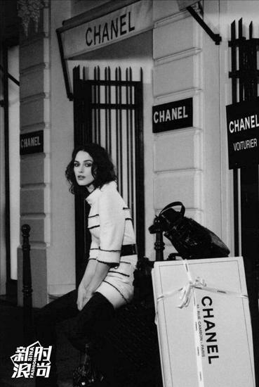 英伦玫瑰凯拉奈特莉为chanel拍摄的黑白广告大片