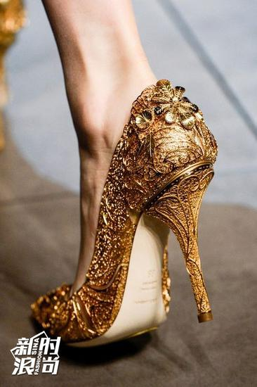 versace金色高跟鞋