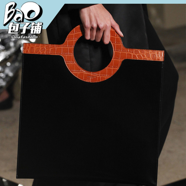 Givenchy手拎圆环包