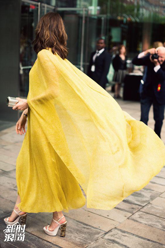 明黄色长裙街拍