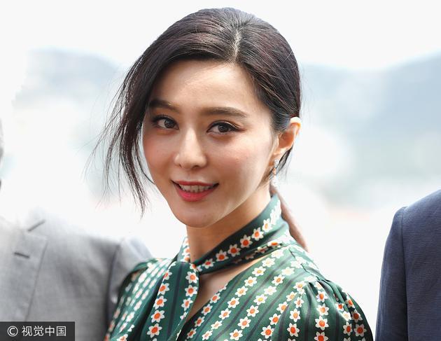 戛纳电影节的华人红毯系列 范爷11套造型收官春春贡献T台首秀 服饰潮流 图15