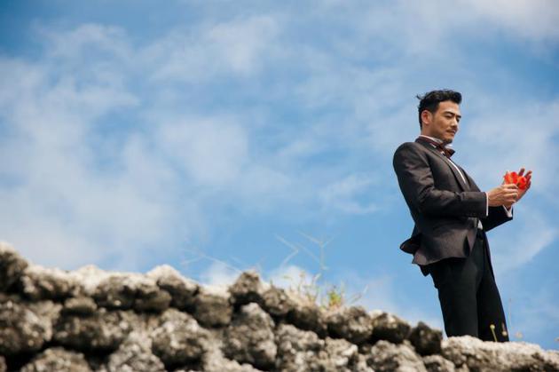 杨烁最新封面玩转度假风 开启雅痞绅士的浪漫之旅 男士时尚 图6