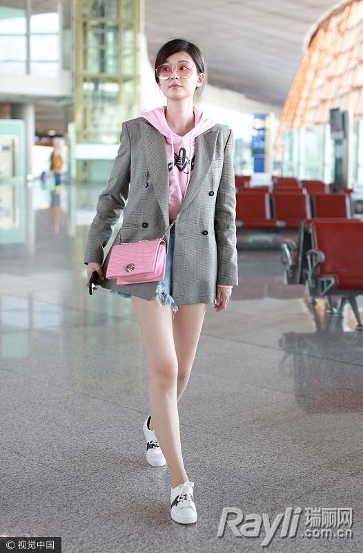 关关江疏影的时尚秘籍 西装搭热裤是标配 服饰潮流 图2