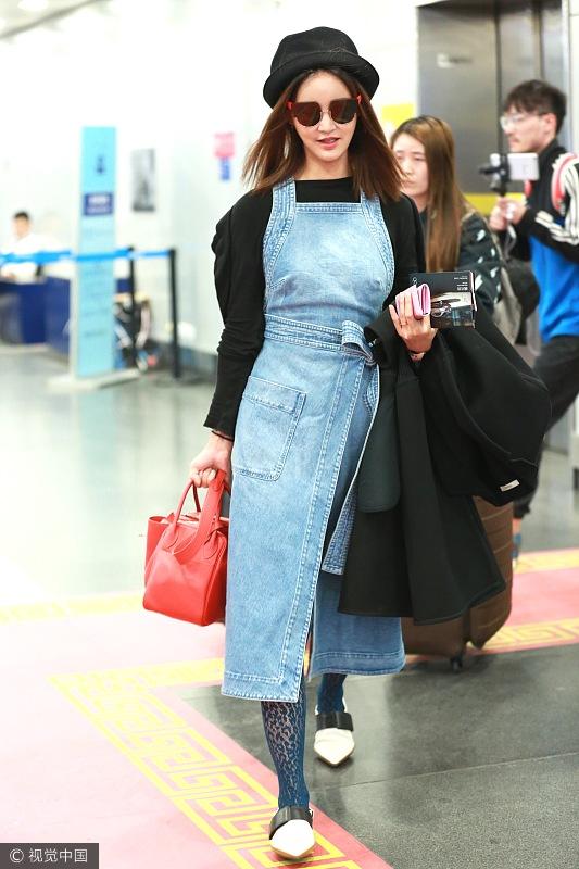 娜扎的背带裙可御姐可萝莉 驾驭各种风格哪怕是性感都不在话下!  风格偶像 图6