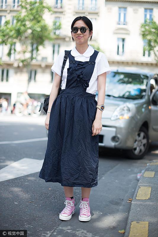 娜扎的背带裙可御姐可萝莉 驾驭各种风格哪怕是性感都不在话下!  风格偶像 图11