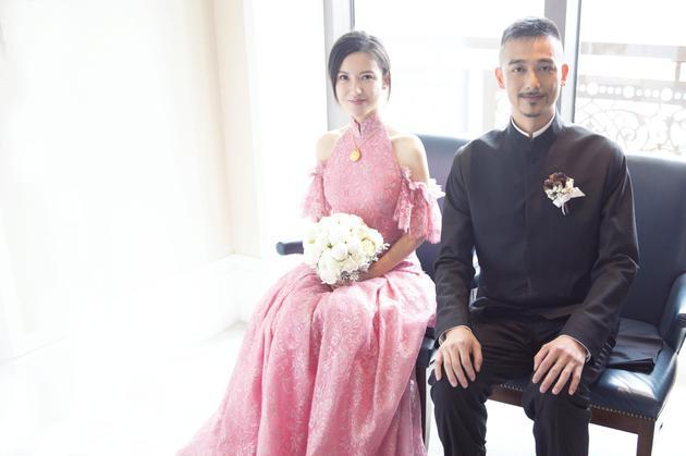 杨子姗、吴中天于台北举行婚礼