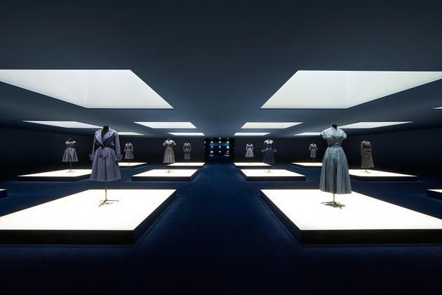 Dior蓝,今夏最时髦的流行色,迷倒baby黄轩赵丽颖 服饰潮流 图22