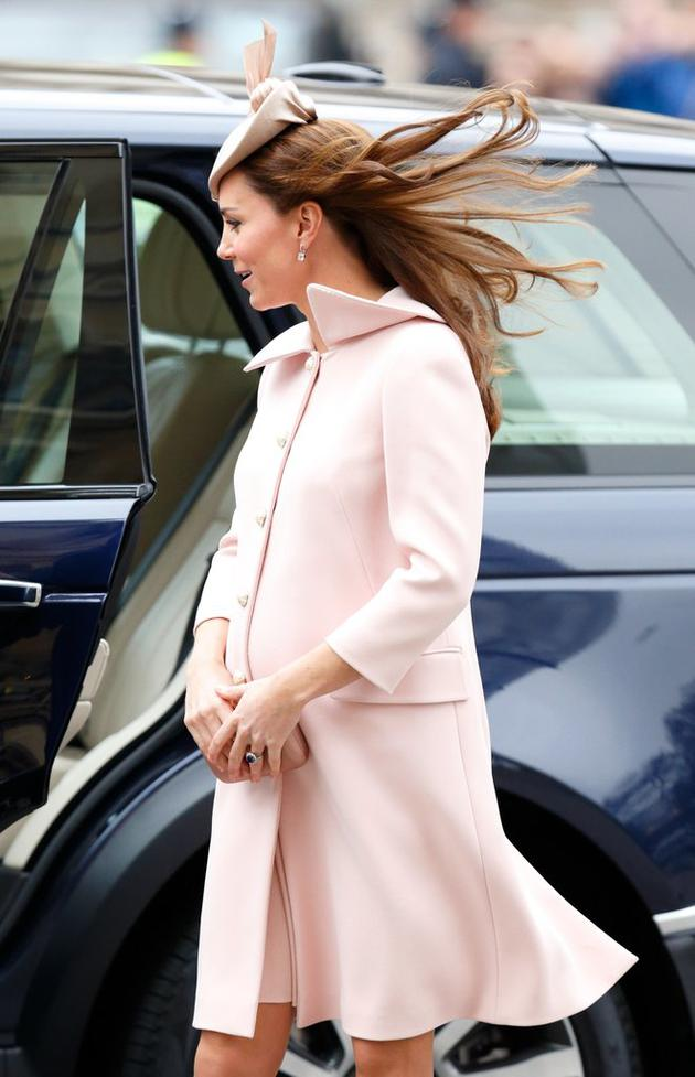 March-2015-very-pregnant-Kate-who-expecting-Princess