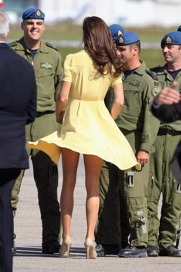 While-arriving-Canada-July-2011-Kate-yellow-Jenny-Packham