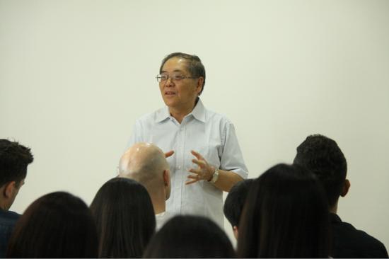 北京服装学院的第一任服装系主任叶先生