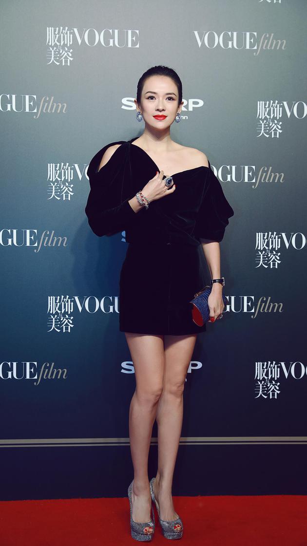 章子怡受邀出席VogueFilm首映派对