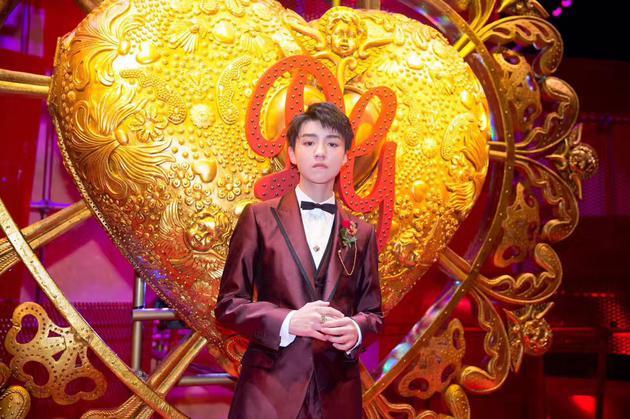 王俊凯在Dolce&Gabbana秀场