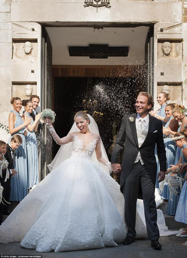 Victoria Swarovski的婚纱价值70万英镑,约合605万人民币
