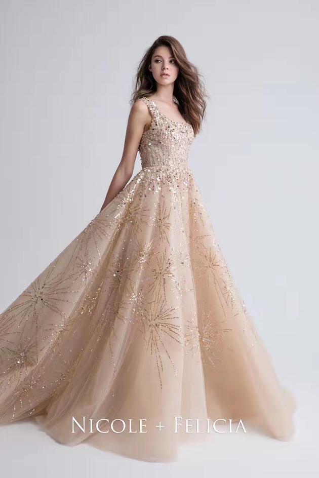 安以轩婚纱