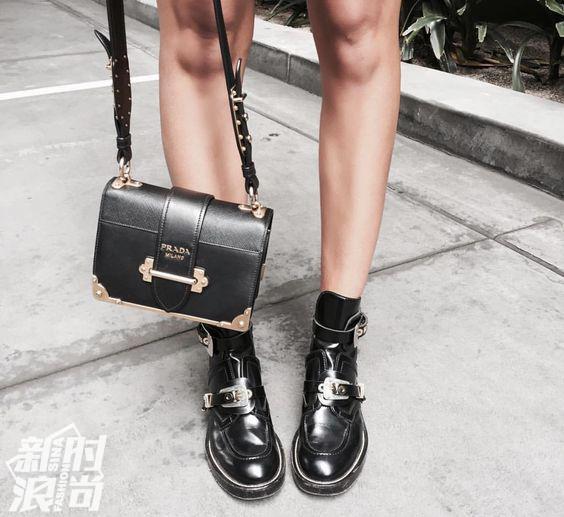 Prada的Cahier系列包包