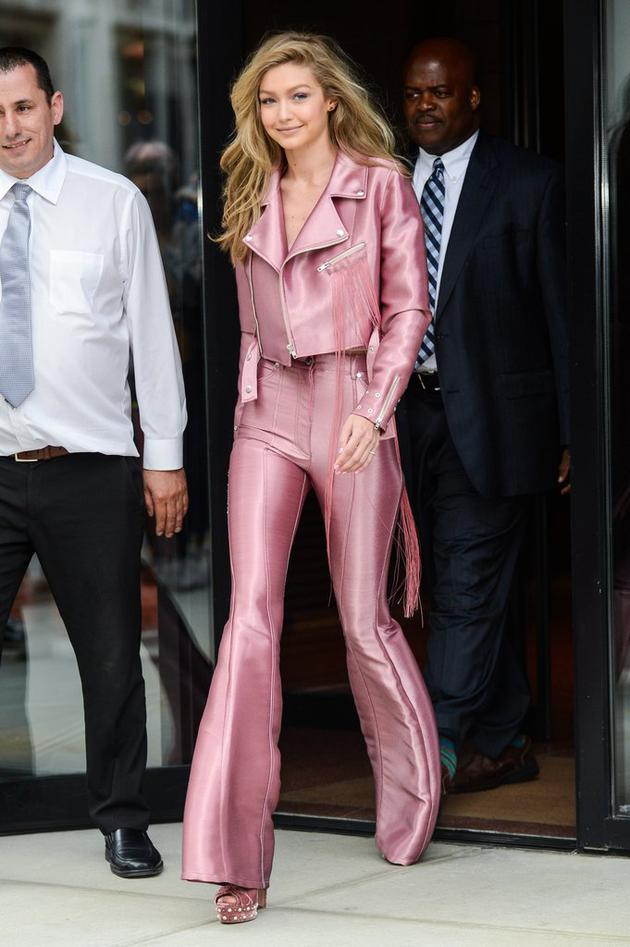 Gigi-Hadid-Pink-Suit-June-2017 (2)