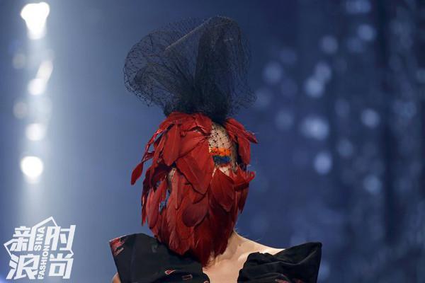 Vivienne Westwood的面具系列
