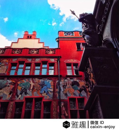市政厅是巴塞尔的标志性建筑,有16世纪的红砂岩和壁画。