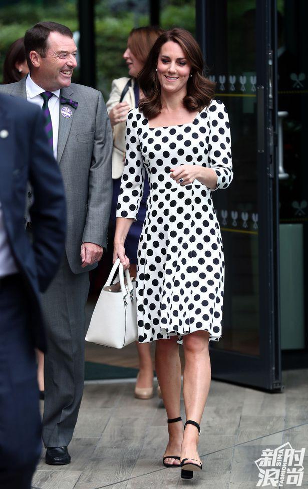 凯特王妃身穿Dolce & Gabbana波点连衣裙